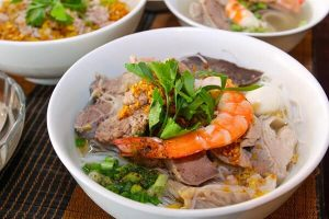Cách nấu hủ tiếu Nam Vang - Cách nấu nước lèo hủ tiếu ngon nhất