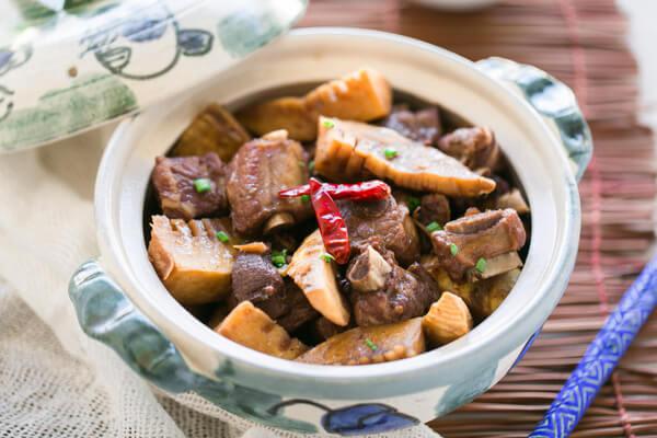 Cách Nấu Món Thịt Ba Chỉ Kho Măng Tươi Ngon Đơn Giản