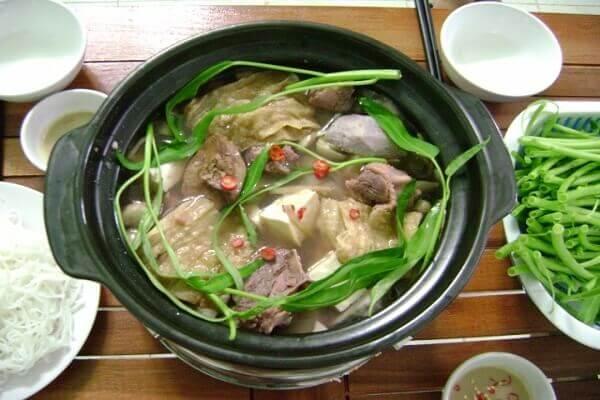 Lẩu vịt nấu chao kiểu miền Tây thơm ngon nóng hổi vừa thổi vừa ăn