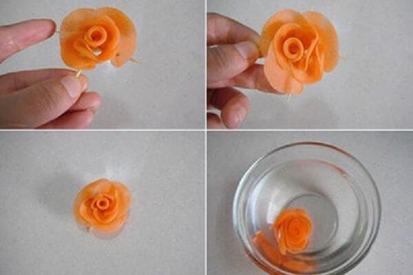 Để bông hoa cứng hơn, bạn ngâm hoa vào nước lạnh