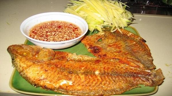 Để có món cá chiên ngon thì cách ướp gia vị đóng vai trò quan trọng.