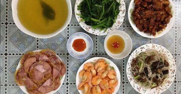 Thực đơn bữa ăn hàng ngày gia đình