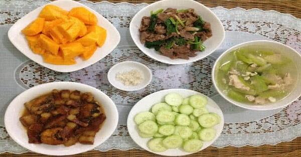 Các món ăn hàng ngày trong gia dinh trong tháng