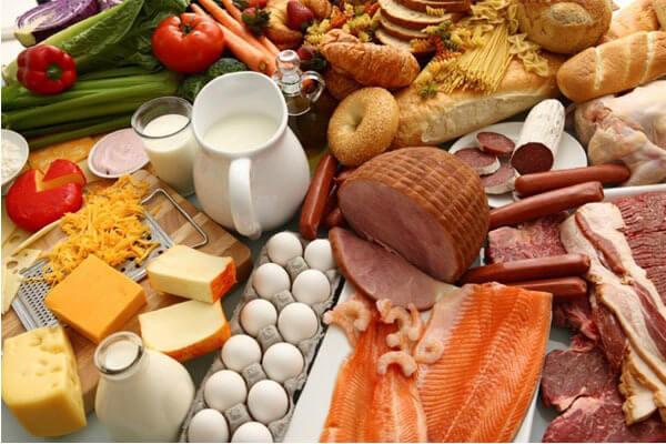 Luôn chọn ăn thực phẩm tươi, nhiều rau và trái cây để đảm bảo cung cấp đủ vitamin và khoáng chất