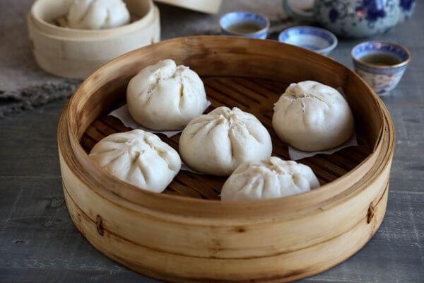 Với người Việt Nam, bánh bao là món điểm tâm sáng rất tiện lợi.