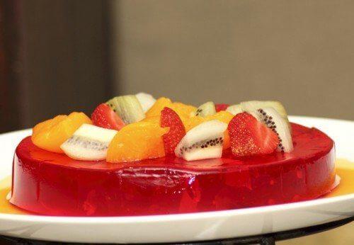 Bột gelatin là nguyên liệu trong nhiều công thức làm bánh, thạch rau câu, kẹo dẻo