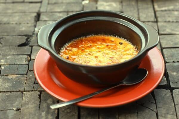 Kem nướng là món tráng miệng phổ biến tại châu Âu.