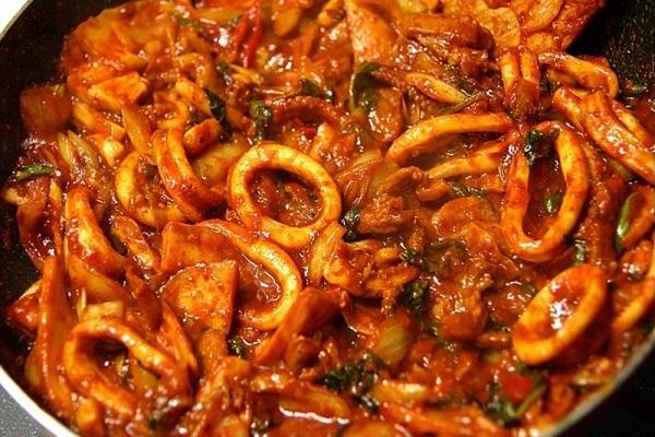 Quán ăn phong cách Hàn Quốc Tokbokki