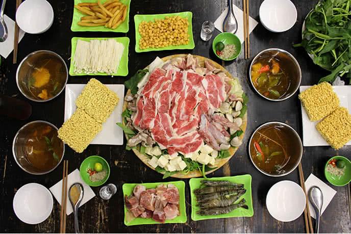 Thực khách đến với nhà hàng lẩu Hà Nội Lẩu Cốc không chỉ vì sự ngon – lạ của ẩm thực