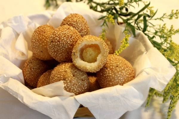 Bánh cam lúc lắc từ bột gạo và bột nếp