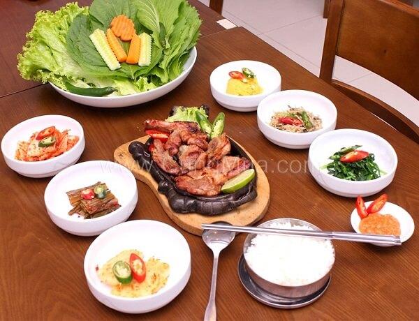 Kim chi cải thảo dùng để ăn kèm với thịt nướng, cơm nóng…