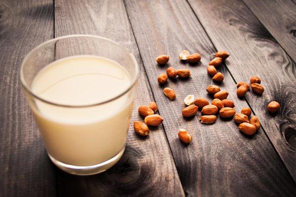 Cách Làm Sữa Đậu Phộng (Lạc) Rang Giúp Tăng Cân