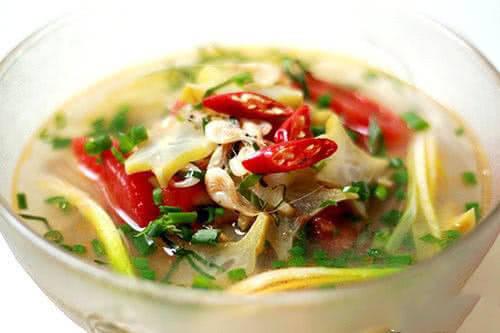 Canh chua tép đồng nấu khế