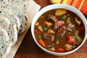 Cách Nấu Thịt Bò Sốt Vang Kiểu Miền Bắc Ngon Và Đơn Giản Nhất