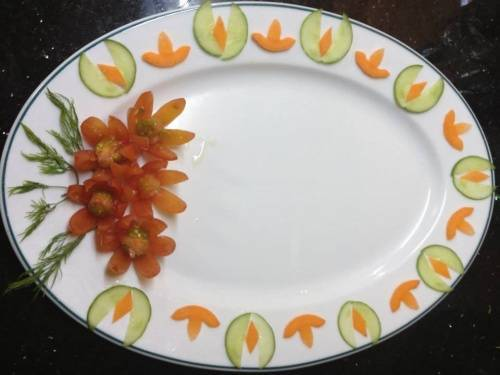 Tỉa hoa trang trí món ăn
