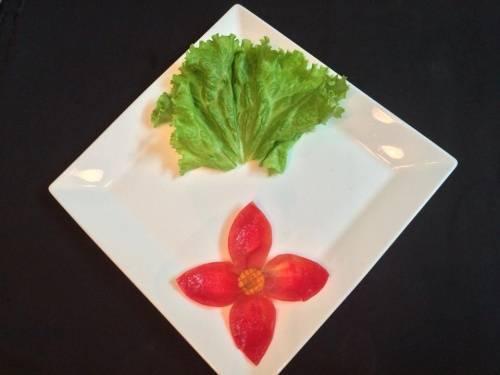 Trang trí món ăn bằng rau củ
