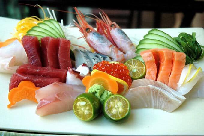 Thực đơn phong phú với nhiều món ăn từ nhiều nền ẩm thực trên thế giới