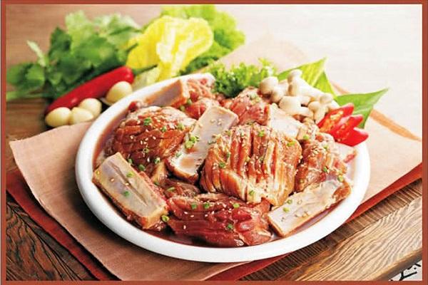 Thời gian gần đây nhà hàng liên tục được đánh giá cao về chất lượng và thái độ phục vụ