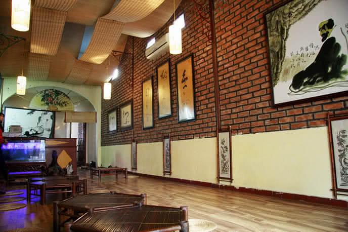 Không gian tại quán ăn chay Trúc Lâm Trai - một trong những quán chay ngon ở Hà Nội