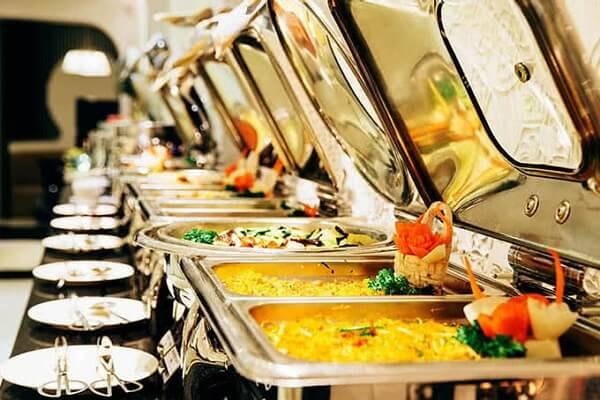 Đồ ăn tại Sứ Buffet luôn được hâm nóng liên tục, đảm bảo chất lượng món ăn cho thực khách