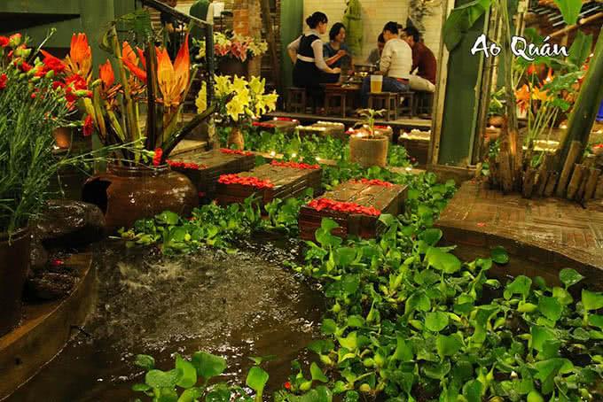 Ao cá, cỏ cây quê hương từ đâu lạc về giữa Hà Thành hiện đại