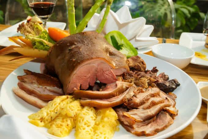 Món thịt nướng Brazil hấp dẫn tại Aquaria Mỹ Đình