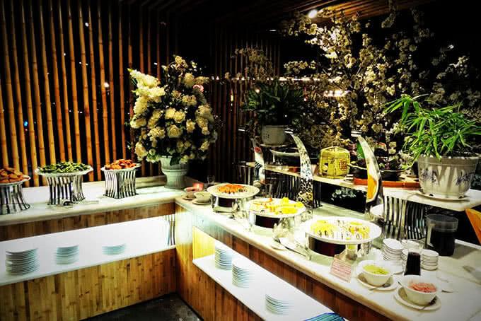 Khu vực ẩm thực buffet cao cấp tại Aquaria Mỹ Đình