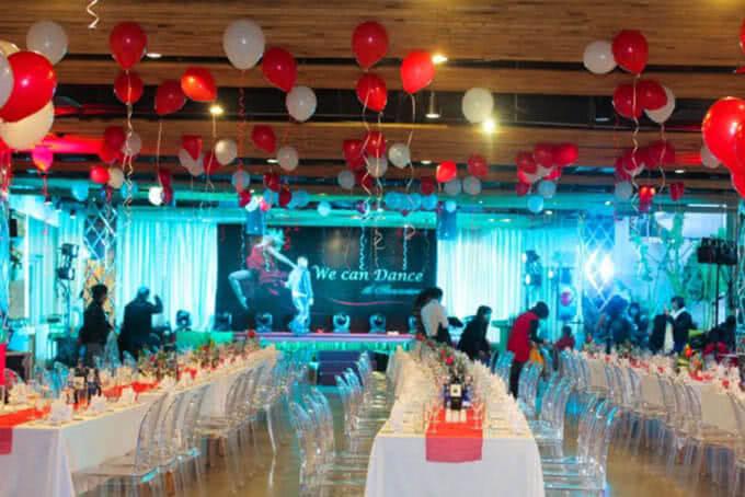 Sân khấu hoành tráng được thiết kế riêng cho tiệc cưới và những sự kiện đáng nhớ