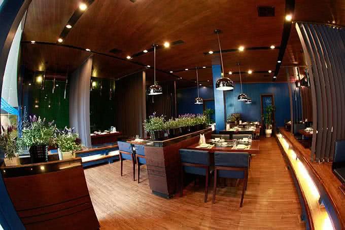Không gian nhà hàng Sochu nhẹ nhàng, ấm áp