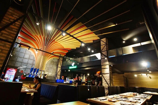 Hana BBQ & Hot Pot Buffet là nhà hàng đồ nướng và lẩu mang phong cách Nhật Bản - Hàn Quốc
