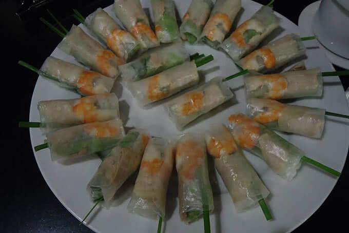 Nhưng nhà hàng cũng không thiếu những món khai vị đậm chất Việt
