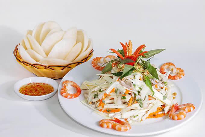 Gỏi củ hũ dừa mang phong vị đặc trưng của miệt vườn Nam Bộ
