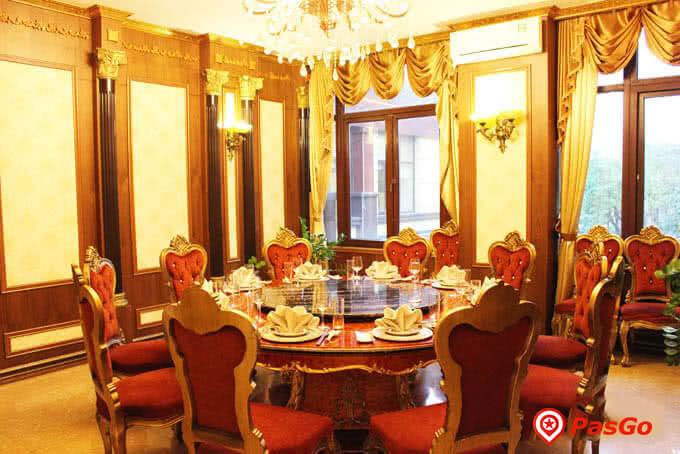 Những phòng ăn sang trọng toát lên nét quý phái, thanh lịch đầy xa hoa