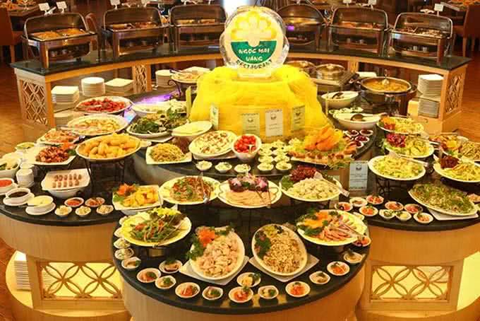 Hàng trăm món ăn khắp Âu Á