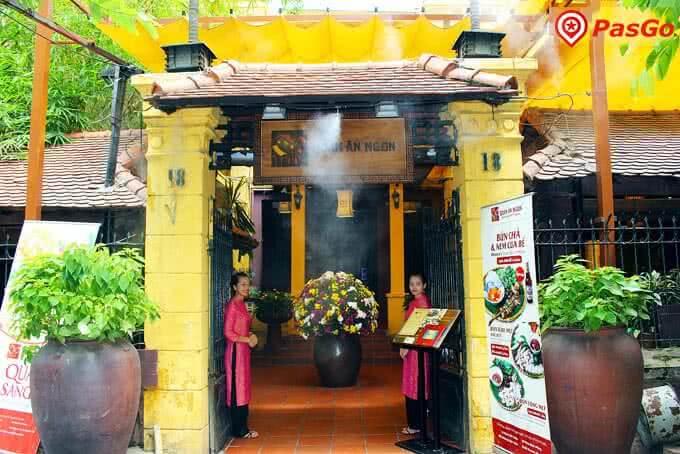 Đội ngũ nhân viên chinh phục thực khách bằng tình yêu bất tận với hồn Việt