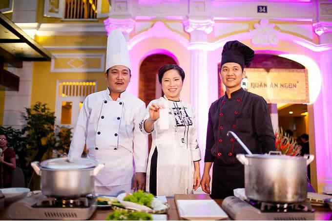 Bà Phạm Bích Hạnh – Người gây dựng nên quán từ tình yêu Hà Nội da diết