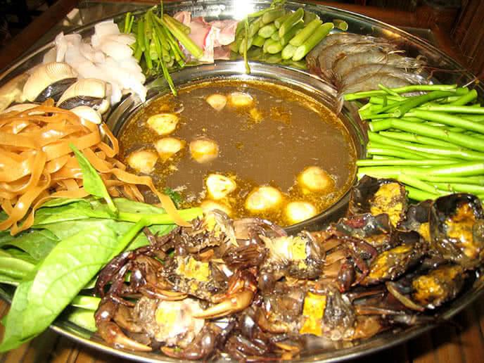 Lẩu cua đồng – món ăn ưa thích của mọi nhà