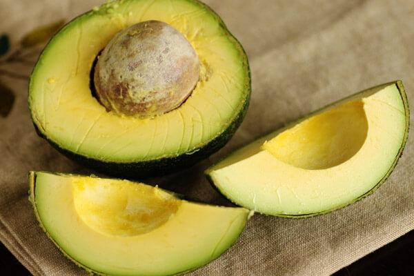 Bơ là một loại trái cây giàu dinh dưỡng, có nguồn gốc từ Mexico và Trung Mỹ.