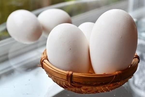 Giá trị dinh dưỡng và tác dụng của trứng ngỗng với bà bầu