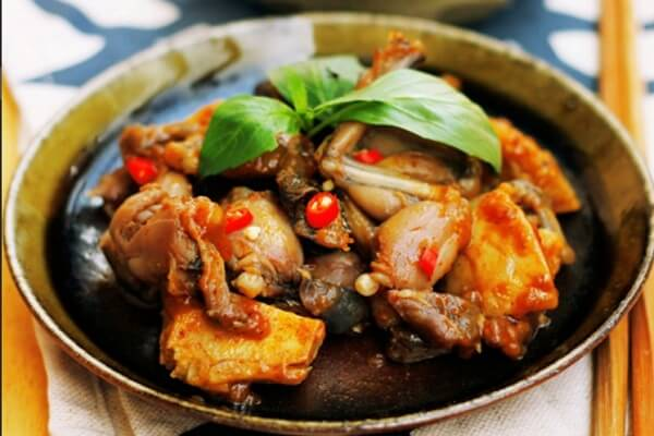 Các món ếch, gà, dê