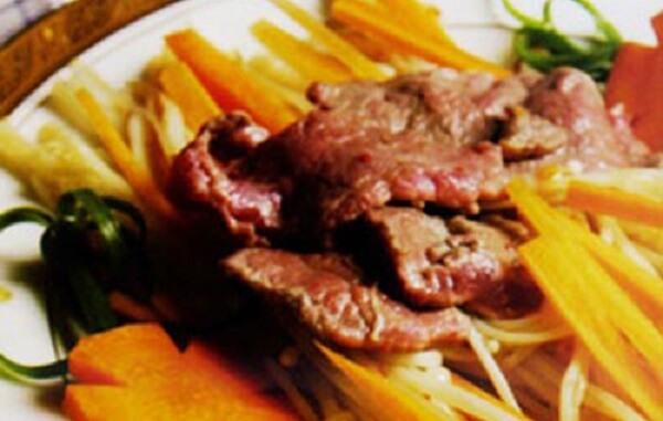 Nấm kim châm xào thịt bò satế