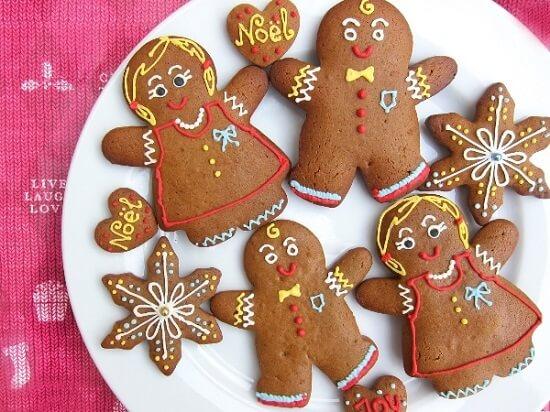 Bánh quy gừng là một loại bánh dường như không thể thiếu trong bàn tiệc ngày lễ giáng sinh