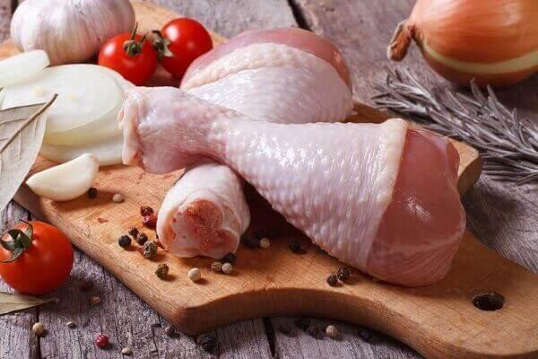 Để làm món gà chiên xù các bạn có thể sử dụng phần tỏi đùi gà, hoặc cánh gà đều được nhé.