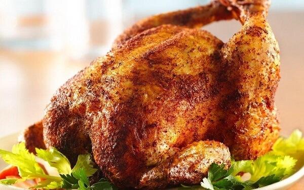 Món gà quay của bạn sẽ có lớp một da ngoài vàng giòn đẹp mắt.