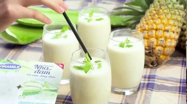 Sinh tố sữa chua còn có tác dụng làm đẹp da, chống lão hóa