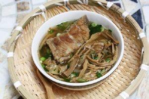 Cách Nấu Canh Măng Khô Giò Heo Ngon - Măng Khô Nấu Gì Ngon