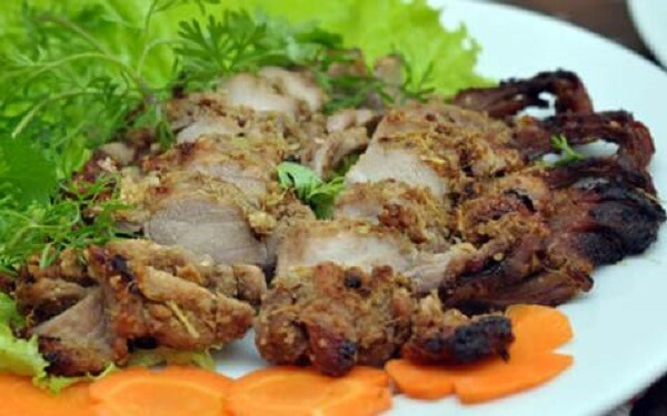 Đối với thịt thỏ có rất nhiều cách chế biến, như Thỏ xào lăn, tiết canh thỏ, thấu thỏ...