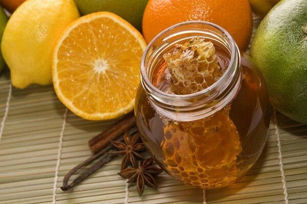 Không nên ăn chung mật ong với tàu hũ nước đường