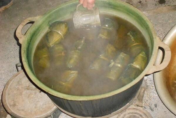 Rửa qua nước lạnh
