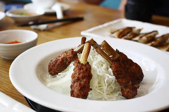 Thịt cừu không chỉ là món ăn đặc trưng của thảo nguyên mà còn mang ý nghĩa may mắn